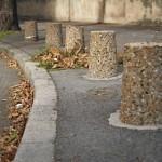 Столбики ограждения из камня